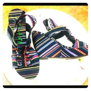 Shoes - Fun wedges